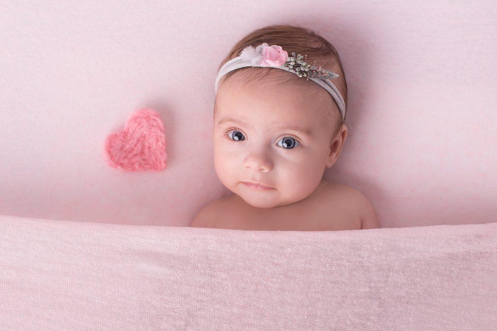Reportaje fotográfico en estudio para bebé - Boo Studio