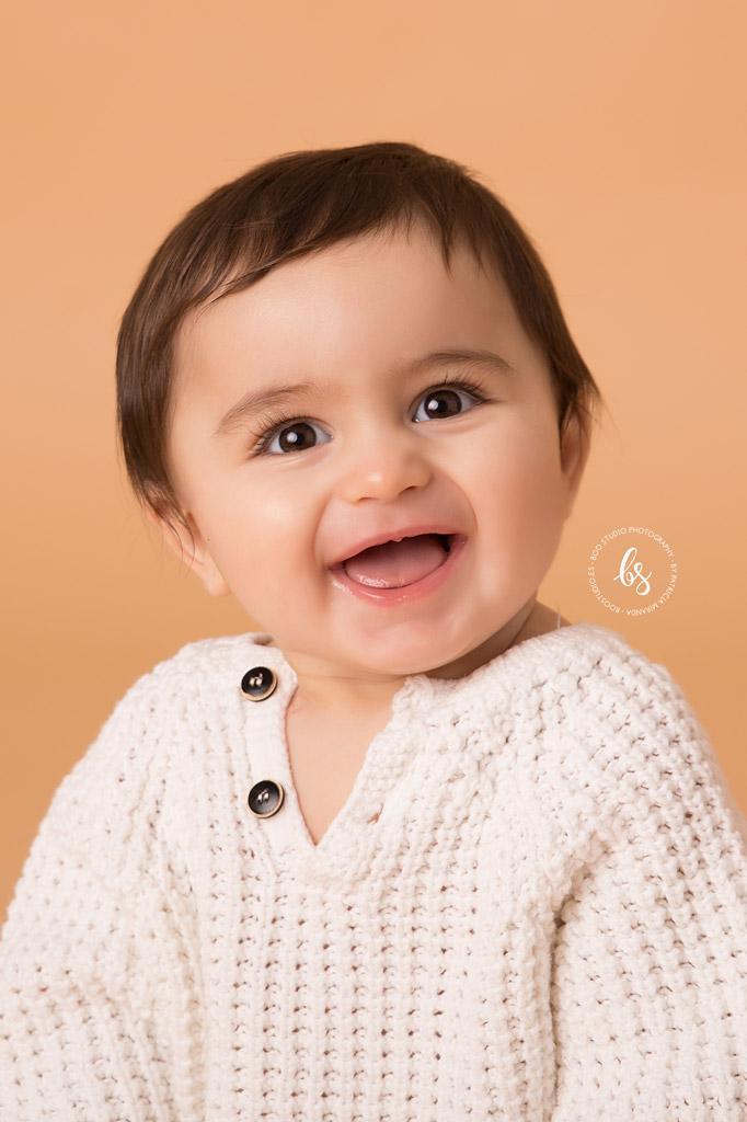 Foto de bebé en estudio